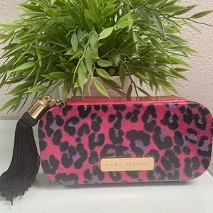 Marc Jacobs Small Hard Shell Case~MINT CONDITION